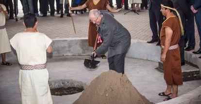 El presidente de Perú, Pablo Kuczynski,  inaugura las obras de los juegos Panamericanos el pasado septiembre en Lima.
