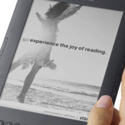 Detalle de un Kindle con publicidad.