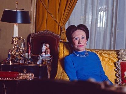 Wallis Simpson, duquesa de Windsor, en su casa del Bois de Boulogne de París en 1974.