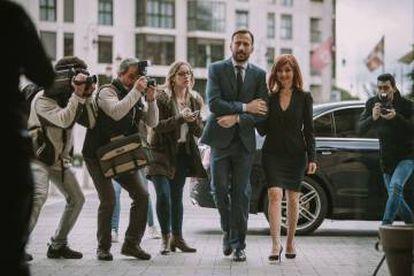 Los actores María de Medeiros y Anthony Howell, en una imagen de la película Onyx, donde interpretan a los autores del libro sobre el grial de León.