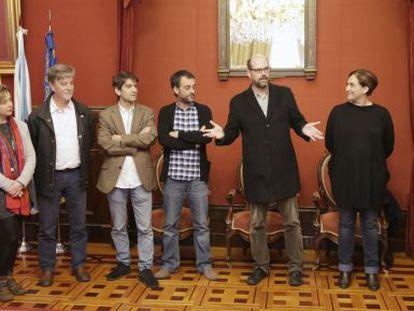 Recepción en el Ayuntamiento de Santiago a los alcaldes del foro de Ciudades por el Bién Común.