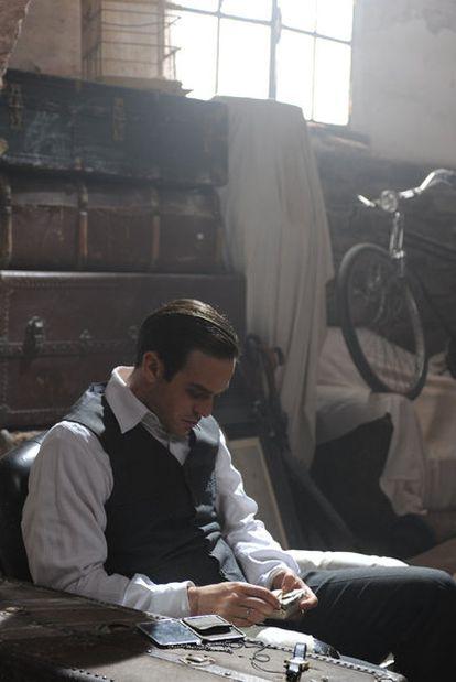 El actor Charlie Cox en una imagen de la película <i>Encontrarás dragones.</i>