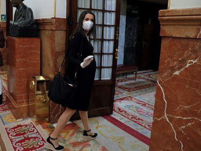 La portavoz de Ciudadanos, Inés Arrimadas, a su llegada al pleno del Congreso este miércoles .
