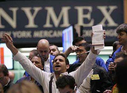 El mercado de derivados de Nueva York (Nymex), en la sesión del pasado jueves, en la que el precio del petróleo bordeó los 100 dólares.