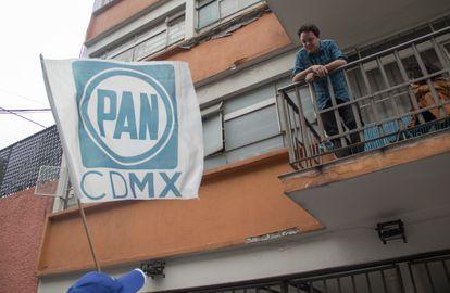 Panistas en una campaña electoral en Ciudad de México.