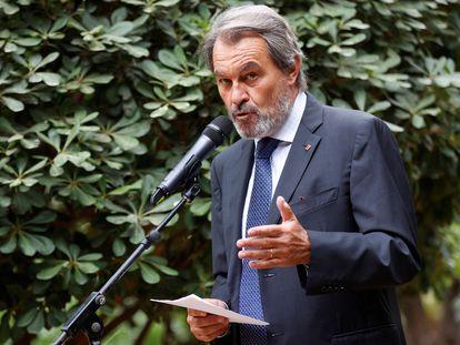 """El expresidente de la Generalitat Artur Mas durante la rueda de prensa en la que acusó  al Estado de buscar su """"muerte civil y política"""""""