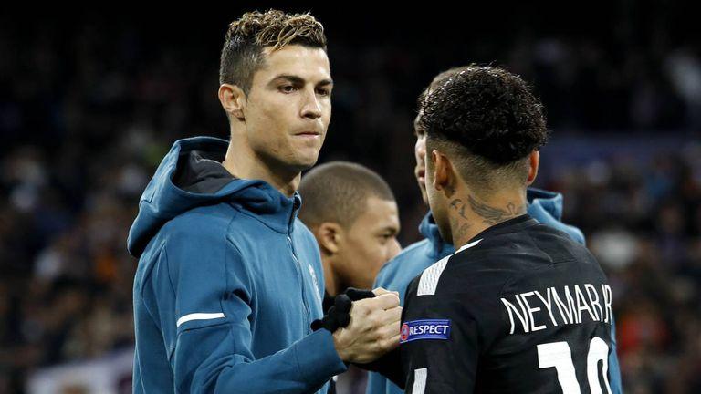Cristiano Ronaldo y Neymar en un partido entre Real Madrid y PSG.