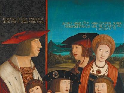 'La familia del emperador Maximiliano I', de Bernhard Striegel (circa 1516), que está en el Kunsthistorisches Museum de Viena. En el cuadro están el emperador (izquierda), en segundo plano su hijo Felipe el Hermoso y su primera esposa, María de Borgoña. Sentados, sus nietos, los futuros Fernando I, el emperador Carlos V y Luis II de Hungría. Es una escena ficticia porque su hijo y su esposa ya habían fallecido, y los tres niños nunca llegaron a estar juntos.