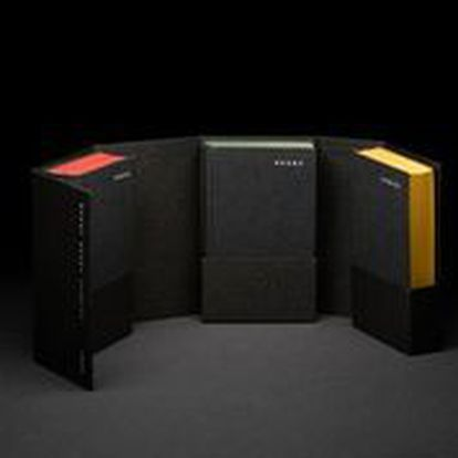 The volume 'Looking forward' consists of three volumes and commemorates 25 years of Ivorypress.