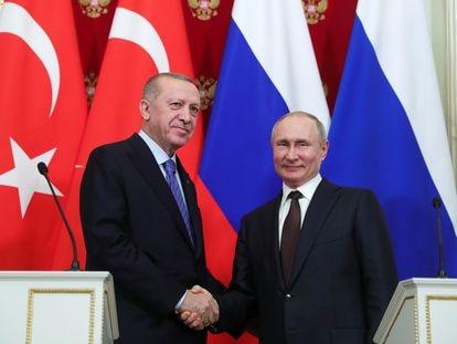 Erdogan, presidente de Turquía, y Putin, de Rusia, en una rueda de prensa en Moscú en marzo.