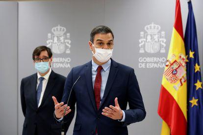 El presidente del Gobierno, Pedro Sánchez¡, el pasado miércoles el Centro de Coordinación de Alertas y Emergencias Sanitaras (CCAES), acompañado del Ministro de Sanidad, Salvador Illa.