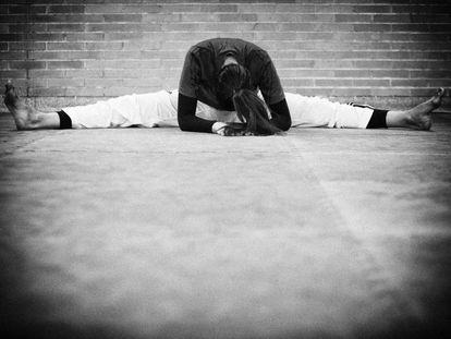 Eva Calvo (en esta foto) y su hermana Marta empezaron en 2006 con el taekwondo después de haber dejado el atletismo. Desde entonces se entrenan en el Pabellón Olimpia de Leganés. Eva consiguió hace meses el billete para los Juegos de Río. Marta se ha quedado fuera después de caer en los cuartos de final del Preolímpico de Estambul (se clasificaban las dos primeras).