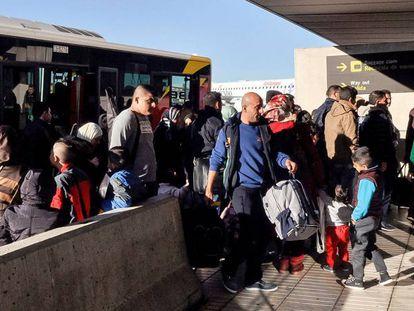 Un grupo de refugiados sirios llegan a España, a finales de noviembre.