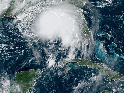 Imagen satelital donde se observa la tormenta Sally sobre el Golfo de México.