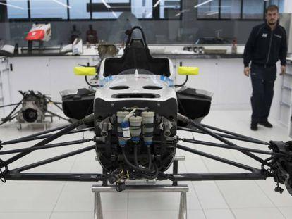 El chasis de un automóvil de competición en el Motor & Sport Institute.