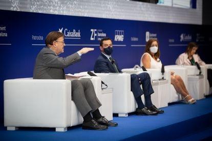 El presidente valenciano, Ximo Puig, el andaluz Juan Manuel Moreno y la balear Francina Armengol, en Barcelona el pasado 17 de junio.