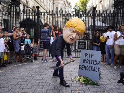 El primer ministro británico promueve la medida para frenar los intentos de parar una salida de la UE sin acuerdo