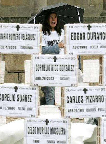 Un grupo de colombianos rinde homenaje el pasado septiembre a las víctimas del conflicto armado.