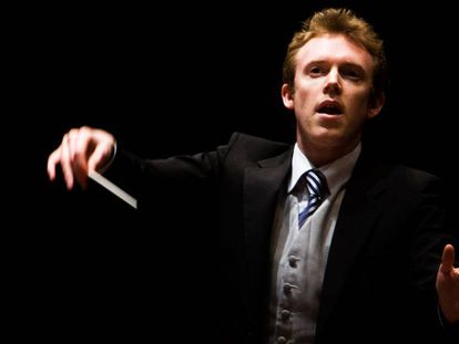 Harding al frente de la joven orquesta Gustasv Mahler.