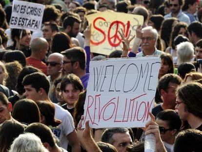 Manifestantes del 15-M en la Puerta del Sol el 21 de mayo de 2011.