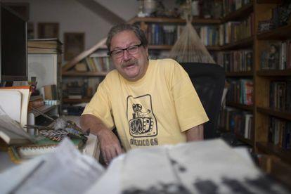 Paco Ignacio Taibo II en su estudio de la Ciudad de México.