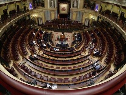 El Congreso, prácticamente vacío, durante el pleno del estado de alarma.