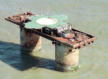 Vista aérea del principado de Sealand, situado sobre una plataforma de hormigón.