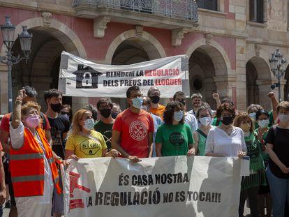 Partidos y entidades piden extender a toda España la ley que regula los precios de los alquileres.