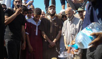 Funeral por el padre del activista del movimiento Hirak, El Mortada Iamrache.