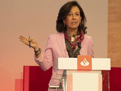 Ana Botín, presidenta del Santander, en la presentación de los nuevos objetivos en Londres.