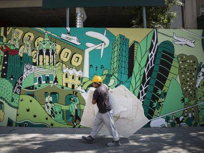 Mural que se encuentra en la Calle Marina, 202, del dibujante Daniel Torres.