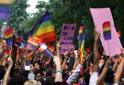 La capital india celebra por tercer año la marcha del orgullo gay, que este año ha celebrado la reciente despenalización de las relaciones homosexuales en el país.