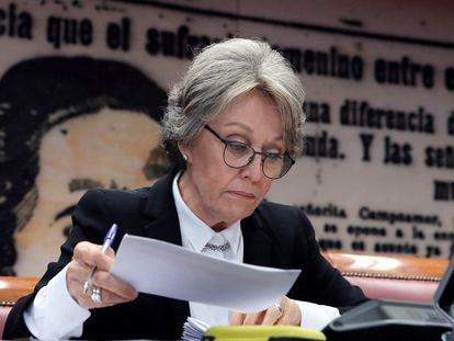 La administradora única de RTVE, Rosa María Mateo, durante una comparecencia en marzo en el Senado.