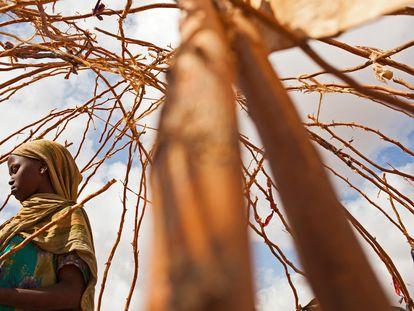 Una mujer refugiada, en el campo de Dadaab, en Kenia