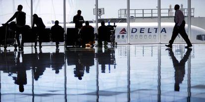 Un avión de Delta Air Lines en el aeropuerto de Atlanta.