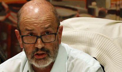 Raúl Sánchez, padre de Tania Sánchez, el pasado 27 de noviembre en un pleno del Ayuntamiento de Rivas.