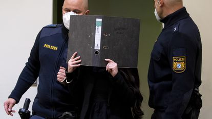 La condenada Jennifer W., a su llegada al tribunal de Múnich, este lunes.