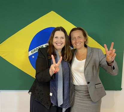 Bolsonarista deputy Bia Kicis with German congresswoman Beatrix von Storch, in Brazil.