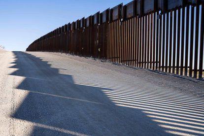 Imagen de la valla fromteriza entre EE UU y México.