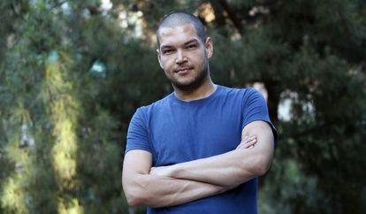 Santiago Díaz encontró trabajo como peluquero el pasado abril.