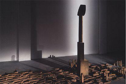 'Sombras lunares' (2005), de Miquel Navarro.