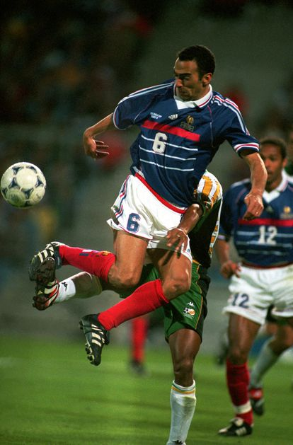 Youri Djorkaeff, en el Francia-Sudáfrica del Mundial de 1998.