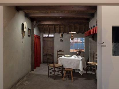 Reconstrucción del interior de la granja que inspiró el cuadro 'Los comedores de patatas' en el Museo Van Gogh de Ámsterdam.