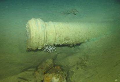 """Cañon de la fragata """"Nuestra Señora de las Mercedes', hallado durante las labores de excavación."""