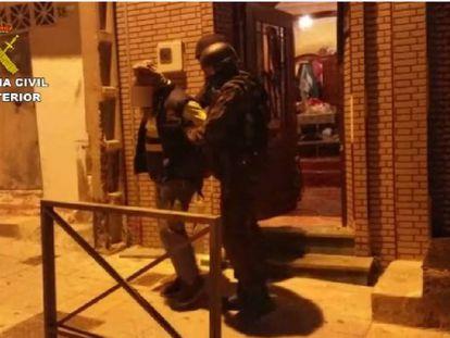 Detención de uno de los sospechosos en Ceuta.