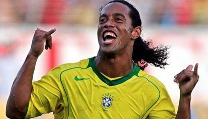 Ronaldinho, con la canarinha, en una imagen de archivo.