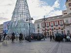 Varios agentes de la Policía Nacional durante la presentación de la Jefatura Superior de Policía de un dispositivo especial de seguridad en el marco de la 'Operación Navidad' en la Puerta del Sol, Madrid (España), a 16 de diciembre de 2020. La Policía Nacional desplegará cada día un refuerzo de más de 300 agentes de distintas unidades en Madrid capital durante las fiestas navideñas, en calles y en centros comerciales, para garantizar la seguridad de forma integral y mantener la alerta antiterrorista. 16 DICIEMBRE 2020 Jesús Hellín   / Europa Press 16/12/2020