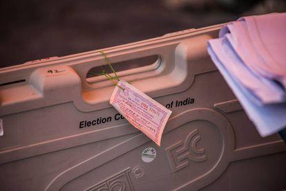 Máquina de voto electrónico en La India