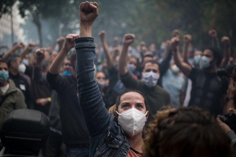 Manifestación de trabajadores de Nissan en huelga contra el cierre de la fábrica de Barcelona.