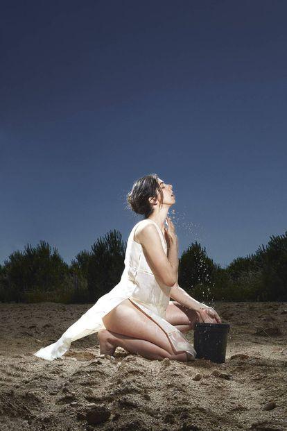 Julia de Castro, con un top de organza de Hermès.